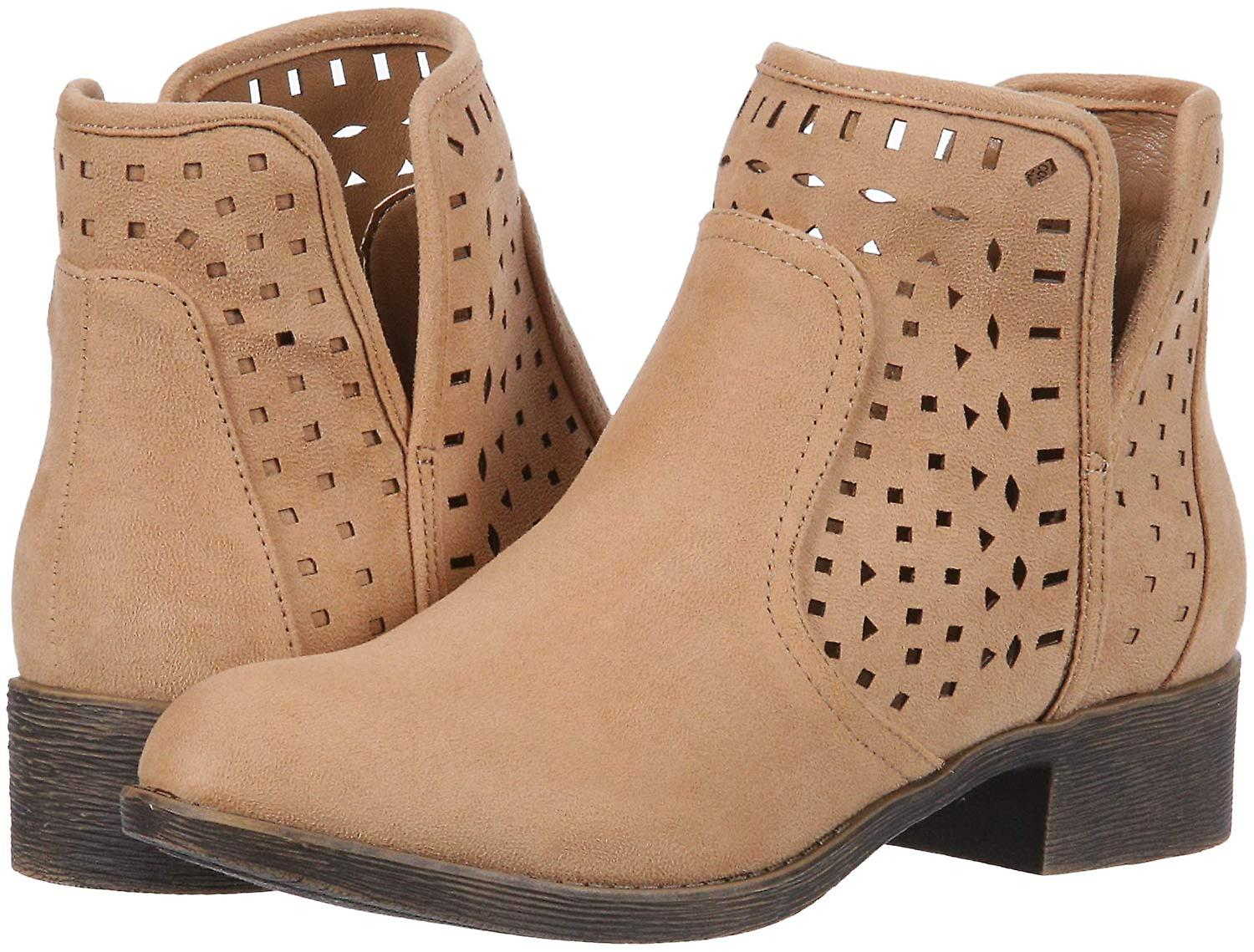 Rampage Kobiet & apos;s Chuck Casual Pull on Side Cut Out Perforated Comfortable Low zbiMc