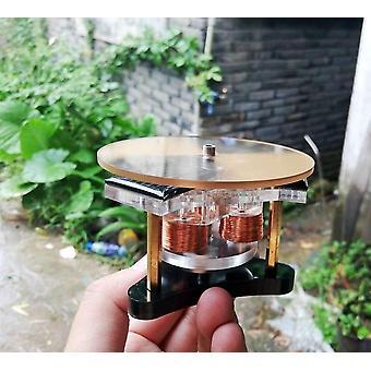 ضوء محرك Mendocino المحرك العمل في يوم ممطر ملبد بالطاقة الشمسية المهوس العلوم