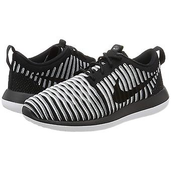 Nike Womens Roshe Two Flyknit Fabric Low Top Lace Up Running Sneaker