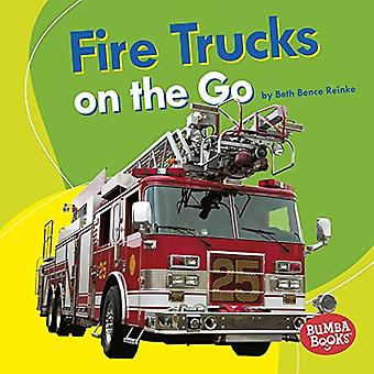Fire Trucks on the Go by Beth Bence Reinke - 9781512482553 Book
