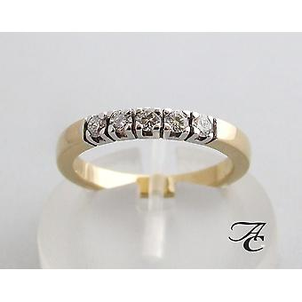 Golden alliance ring with brilliant