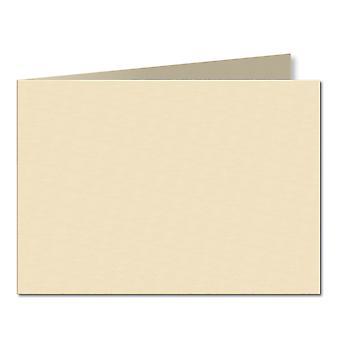 Vaaleaa kermaa. 105mm x 296mm. A6 (Lyhyt reuna). 240gsm taitettu kortti tyhjä.