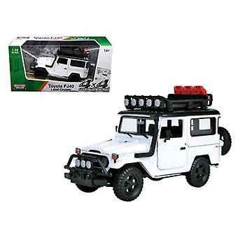 Toyota Fj40 Land Cruiser White \4X4 Overlanders\ Series 1/24 Diecast Model Car By Motormax