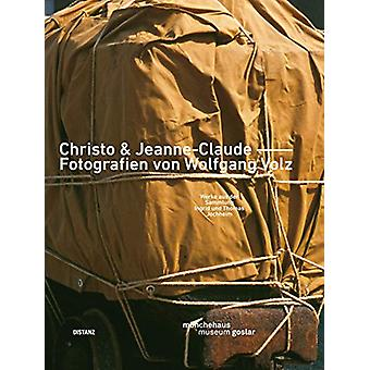 CHRISTO & JEANNE-CLAUDE - FOTOGRAFIEN VON WOLFGANG VOLZ by Wolfga