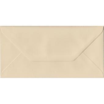 Fløde gummierede DL farvet creme konvolutter. 100gsm FSC bæredygtig papir. 110 mm x 220 mm. bankmand stil kuvert.