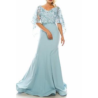Suknia wieczorowa z haftowanym peleryną z siatki