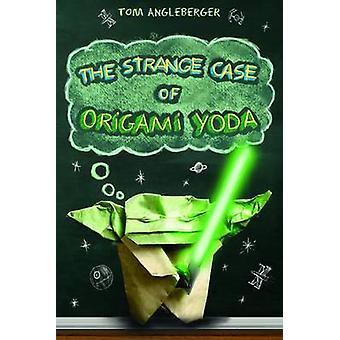 Det märkliga fallet av Origami Yoda av Tom Angleberger - 9780810998773 B