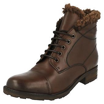 Ladies Clarks Fashion Ankle Boots Hayride Elm