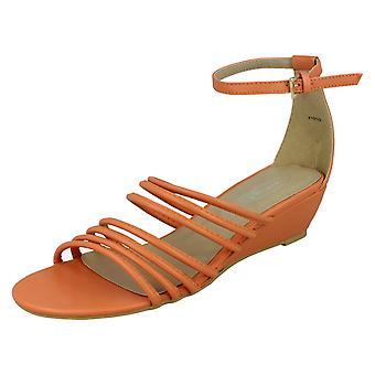Ladies flekk på midten av kile Strappy sandaler med ankel REM