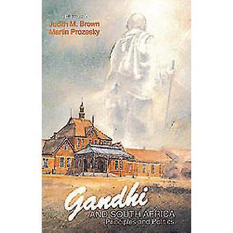 Gandhi en Zuid-Afrika - vooruitzichten en vooruitzichten door Judith M. Brow