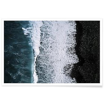 JUNIQE Print - Abstract Aerial by @regnumsaturni - Oceans, Seas & Lakes Juliste Paikassa Blue & Black