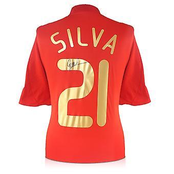 ダビド・シルバ、スペイン2007-09ホームシャツにサイン