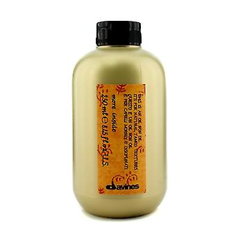 Davines More Inside This Is An Oil Non Oil (for Natural Tamed Textures) - 250ml/8.45oz