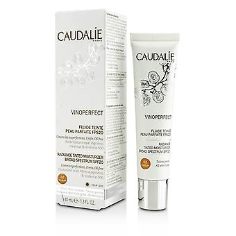 Caudalie Vinoperfect Radiance sävytetty kosteusvoide laaja SPF 20 - #02 keskipitkällä 40ml/1.3 oz