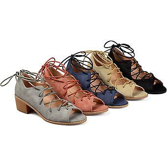 Brinley Co. naisten Byrd faux Nubuck Ghille pitsi-up Peep-Toe sandaalit