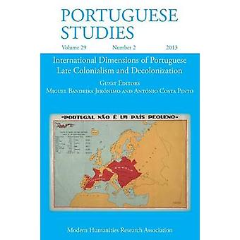 Portuguese Studies 29 2 2013 by Bandeira Jeronimo & Miguel