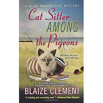 Cat Sitter wśród gołębi: Tajemnica Hemingway Dixie (Dixie Hemingway tajemnic (miękka))