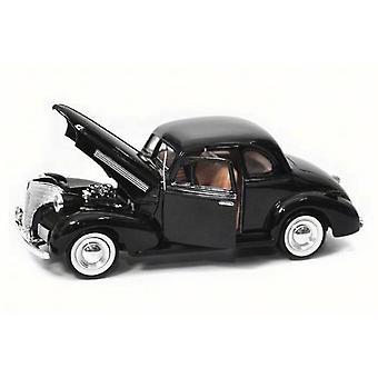 MotorMax American Classics - 1939 Chevrolet Coupe Zwart - 1:24