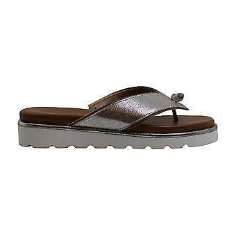 Donald J Pliner Leaane (Silver Metallic Soft Leather) Women's Shoes