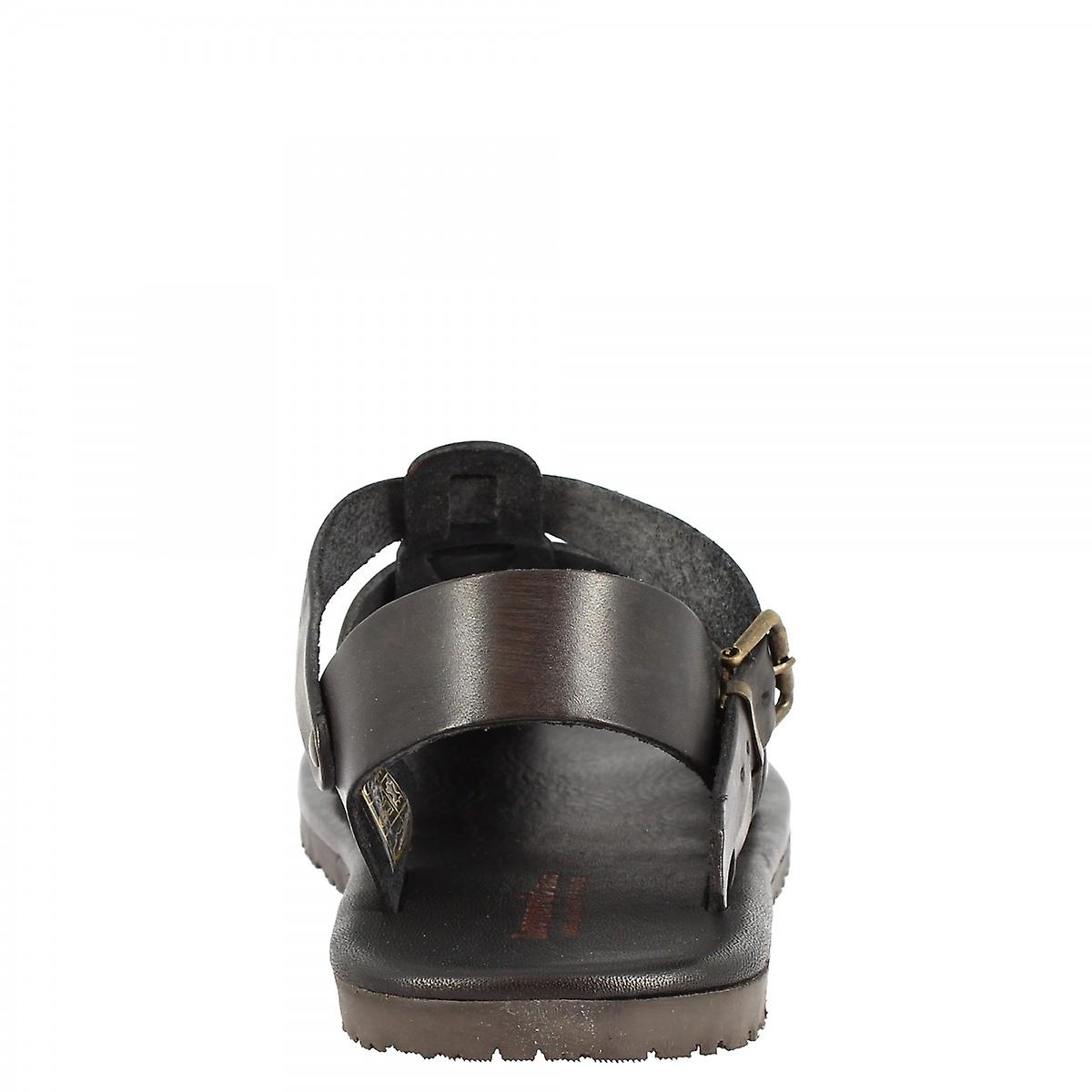 Leonardo Shoes Men's handmade franciscan sandals in black calf leather with side buckle closure