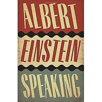 Albert Einstein hablando
