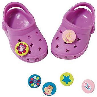 面白いピンと赤ちゃん生まれた靴