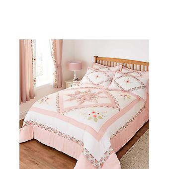 Ringley Eva Puffball Quilted Bedspread