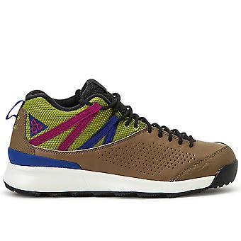 ACG Okwahn II أحذية رياضية ذهبية بيج