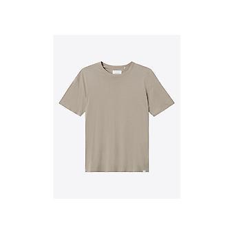 Les Deux Buckeye T-shirt