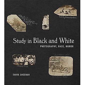 Studier i svart og hvitt: fotografi, rase, Humor