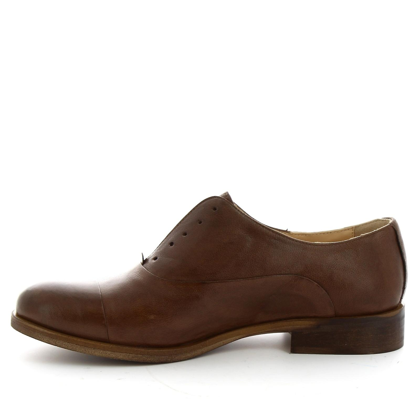 Leonardo Shoes Women's handmade oxford laceless shoes in dark brown leather