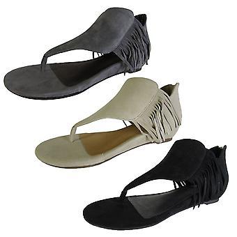 Adam Tucker By Me Too Womens Adina Fringe Sandal Shoe