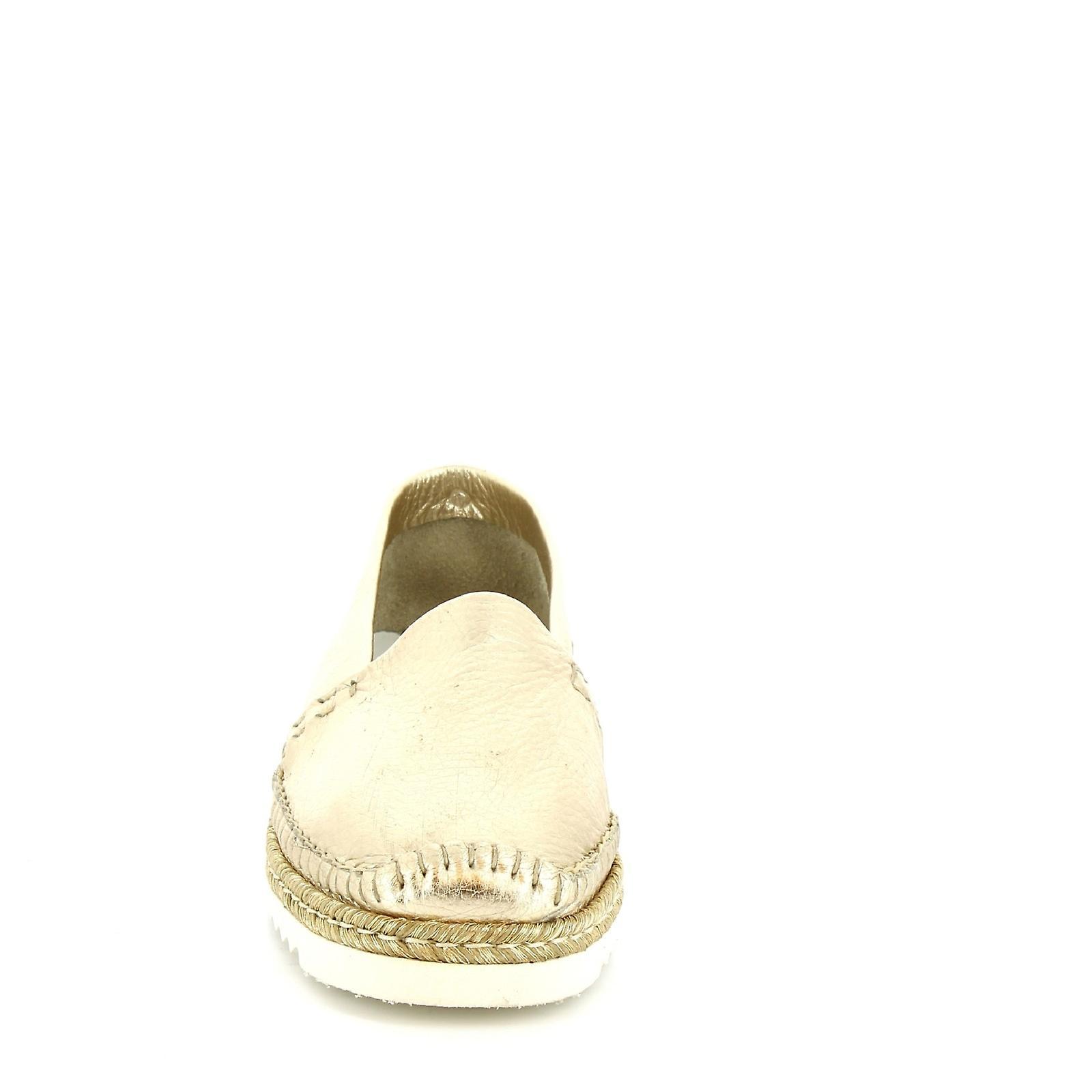 Leonardo Shoes Women's handmade slip-on loafers in pearl gold calf leather