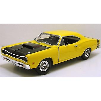 MotorMax American Classics - 1969 Dodge Coronet Super Bee Yellow 1:24