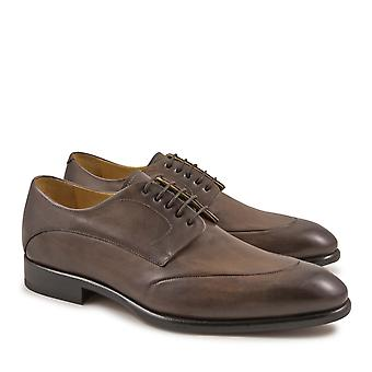 Handmade derby shoes for men in taupe leather
