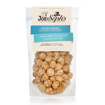 Solený karamelový popcorn