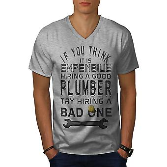 Lustige Plumber Men GreyV-Neck T-Shirt | Wellcoda