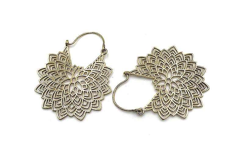 Avery and May Handmade Petals Filigree Earrings for Women