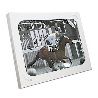 Willie Carson firmó la foto de las carreras de caballos: Troy. En la caja de regalo
