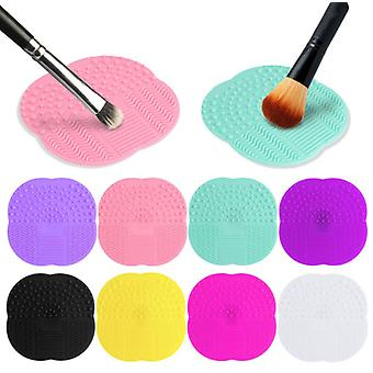 Effectively cleans makeup brushes