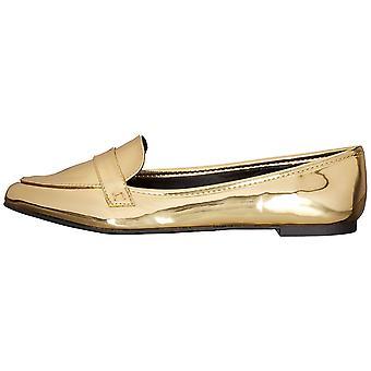 Qupid Women's Swirl-61 Slip-On Loafer