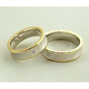 Bicolor wedding rings with diamond