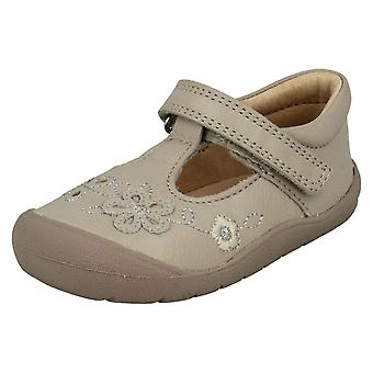 Flickor Startrite blomma detalj platta skor första Mia