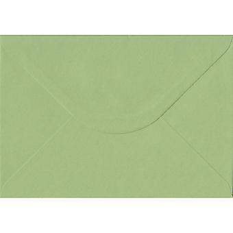 Groen erfgoed gegomd C5/A5 gekleurde groene enveloppen. 100gsm FSC duurzaam papier. 162 mm x 229 mm. bankier stijl envelop.