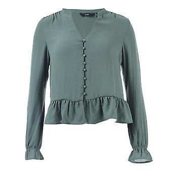 Women's Vero Moda Isabella Mini V-Neck Shirt in Groen