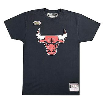 Mitchell & Ness Worn Logo Tee Chicago Bulls SSTEINTL869CBUBLCK universal all year men t-shirt