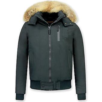 Kort vinterfrakk - med pelskrage - svart
