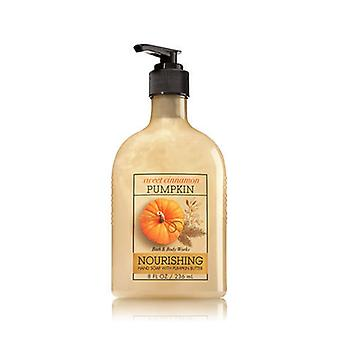 Bath & Body Works Weet Cinnamon Pumpkin Hand Soap With Pumpkin Butter 8 oz / 236 ml ( 2 Lot )