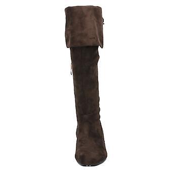 Spot sobre mulheres/senhoras altura do joelho botas com virada sobre o punho