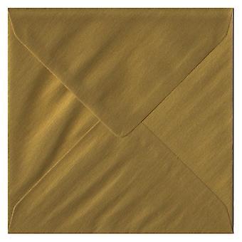 Gouden gegomd 130mm vierkante gekleurde gouden enveloppen. 100gsm FSC duurzaam papier. 130 mm x 130 mm. bankier stijl envelop.